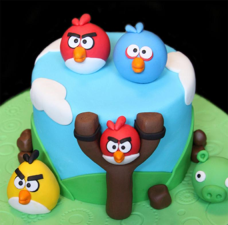 Images Of Angry Birds Cake : 1000+ images about Angry Birds Cakes/Cupcakes on Pinterest ...