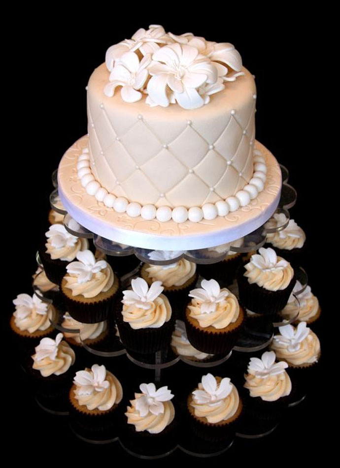 elegant bridal shower cake cupcakes