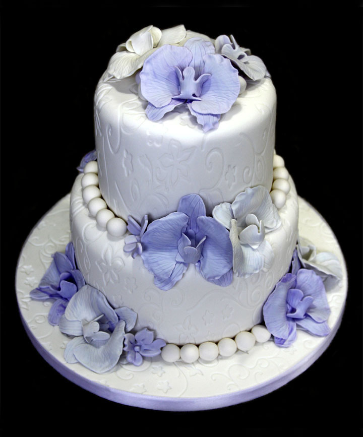 Blossoms & Pearls Wedding Cake