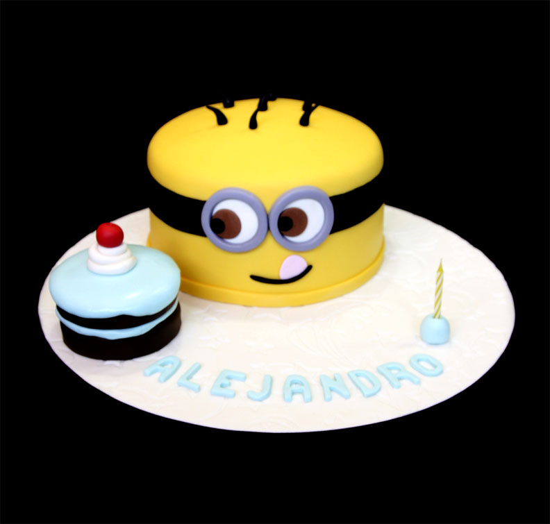 Minion Theme Birthday Cake with Cupcake