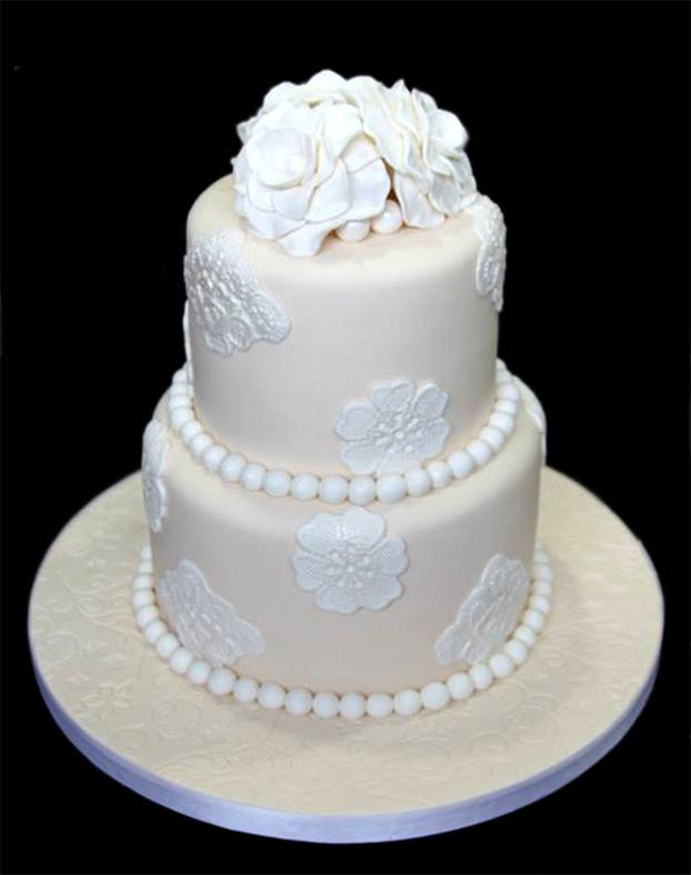 Lace & Pearls Wedding Cake